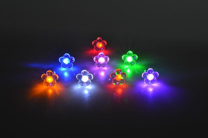 """leuchtende LED Ohrstecker """"Blume"""""""