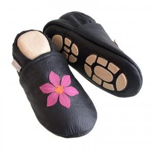 Liya's Hauschuhe mit Gummisohle - #694 Pinkblume in schwarz